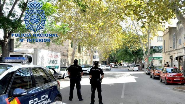 La Policía Nacional detiene en Manacor a un hombre por contagiar de COVID-19 a 22 personas