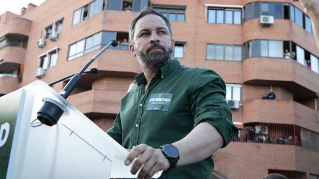 Santiago Abascal anuncia que VOX acudirá a la concentración de Colón contra los indultos