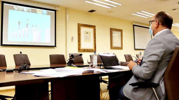 CCOO reclama reunirse con Montero para evitar el despido de mil trabajadores del SEPE