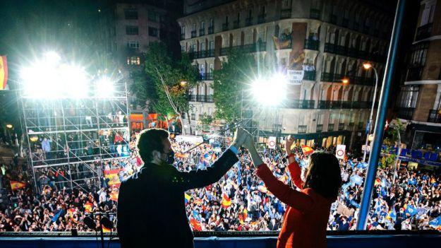Sondeos: A Sánchez le sale mal el cambio de Gobierno con un PP reforzado