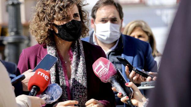 Dolors Montserrat denuncia el 'silencio atronador' de Sánchez