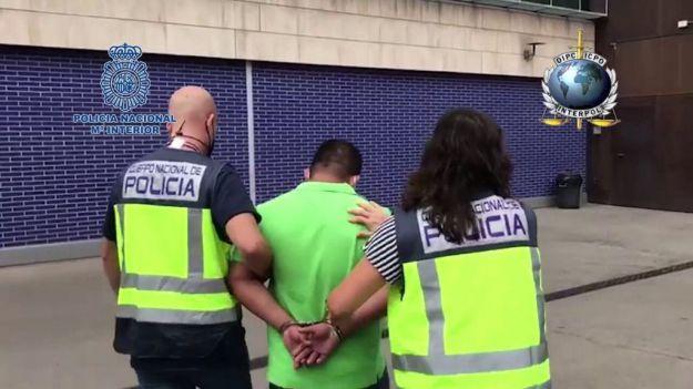 La Policía Nacional detiene a un fugitivo buscado por la violación de una menor de edad