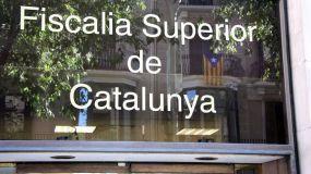 Piden identificar a los responsables de los centros electorales catalanes
