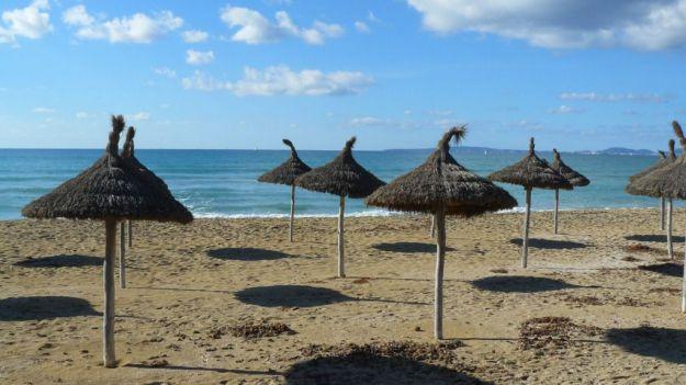 La Policía identifica a 800 turistas británicos por falsas intoxicaciones en Baleares
