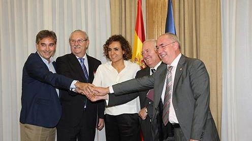 Dolors Montserrat: 'Hoy hemos alcanzado un acuerdo histórico en beneficio de los pacientes y de los profesionales sanitarios'