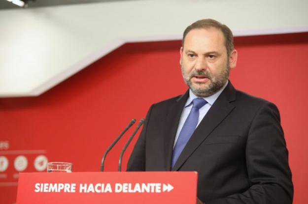 """Ábalos a Rivera: """"Abandone la estrategia del cuanto peor mejor"""""""