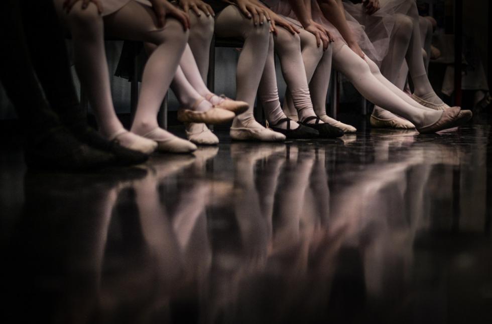 Los fisioterapeutas recomiendan el baile como actividad física saludable y de bajo riesgo