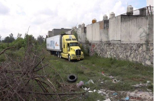 157 cadáveres en estado de descomposición hallados en un camión en México