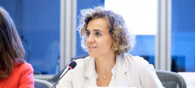 Dolors Montserrat denuncia ante la Comisión Europea el descuadre de cifras de fallecimientos en España