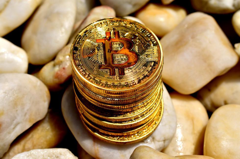 El bitcoin se recupera de un fin de semana a la baja