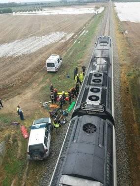 Casi una treintena de heridos en un accidente ferroviario en Sevilla