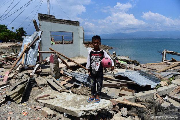 Miles de niños se han quedado solos en Indonesia