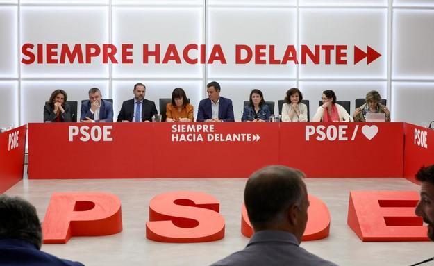 """Ábalos: """"Los españoles no perdonarán a quienes pongan en solfa la legislatura"""""""