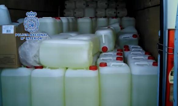 Interceptados 2.500 litros de combustible destinados a abastecer narcolanchas