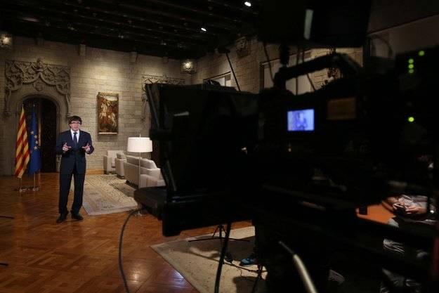 Puigdemont mete miedo a Rajoy y estudia comparecer en el Senado