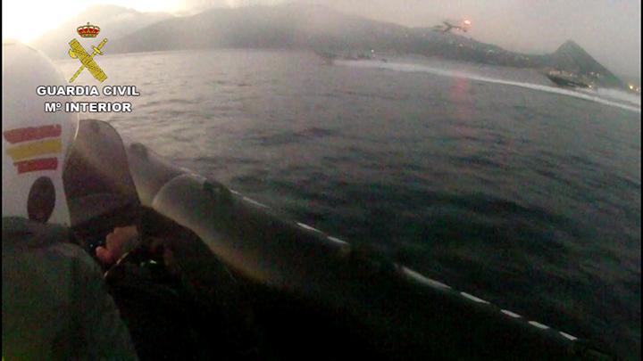 La Guardia Civil impide un alijo en Punta Carnero (Algeciras)