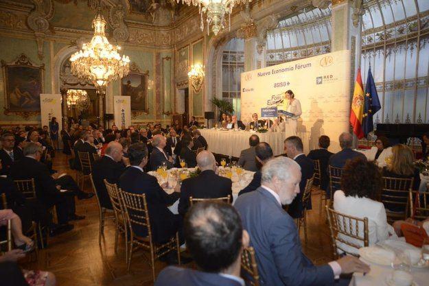 Reyes Maroto anuncia una Ley de la Industria