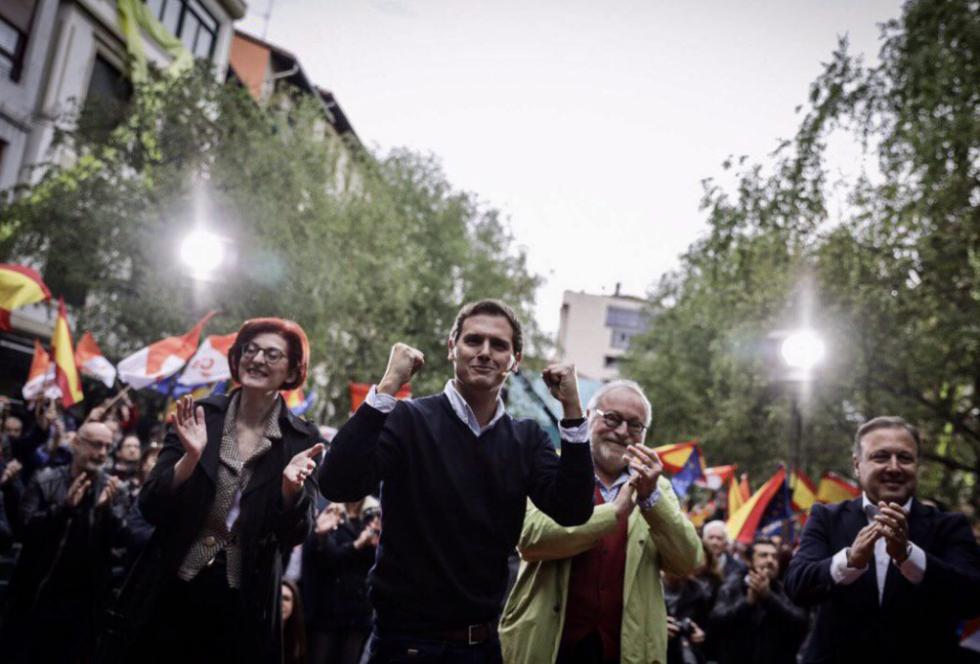 """Rivera: """"Frente a las cacerolas y los insultos, ideas"""""""