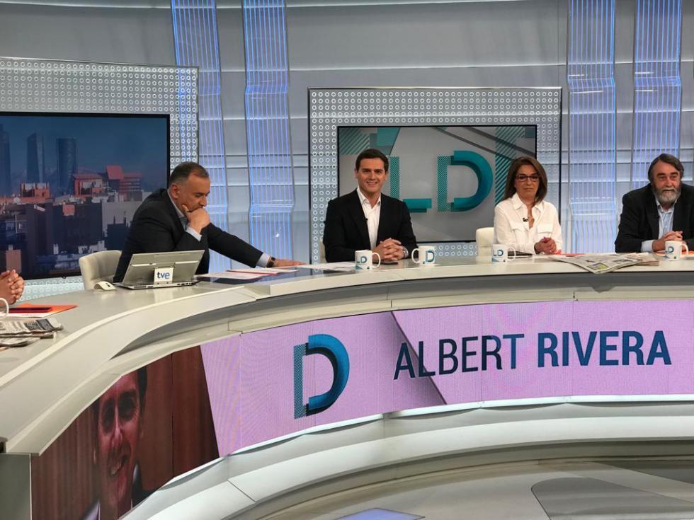 Rivera: 'La comunidad internacional debe cerrar el círculo y arropar a Guaidó para que lidere Venezuela'
