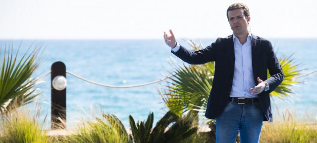 """Casado: """"Sánchez quiere avalar el gobierno con independentistas, batasunos y con los comunistas de Podemos"""""""