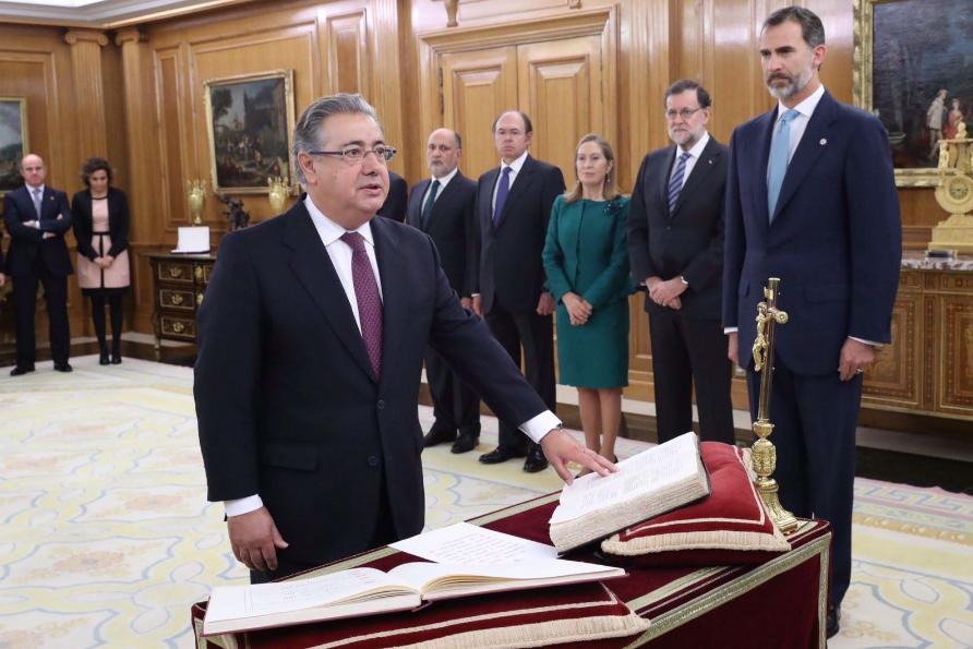 Juan Ignacio Zoido: 'La equiparación salarial comenzará a partir de los presupuestos del año 2018'